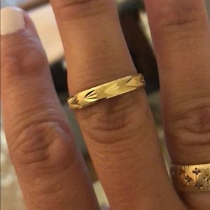 Solid 14kt Italian gold etched ring